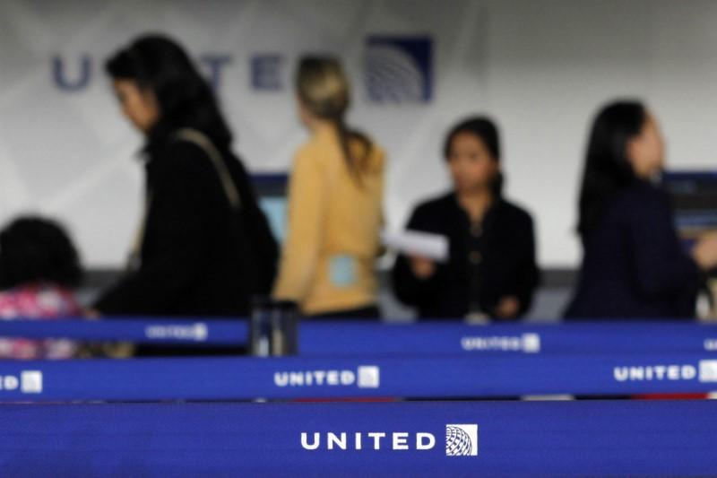 United weighs purchase of new Boeing 767 passenger jets