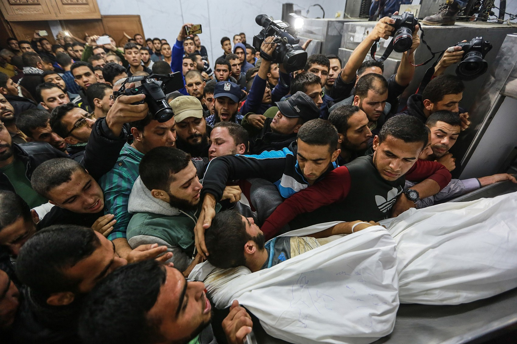 Gaza militant group: 5 members dead in Israel tunnel attack