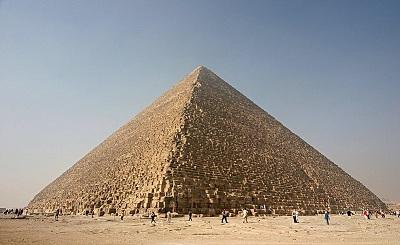 800px-Kheops-Pyramid.jpg