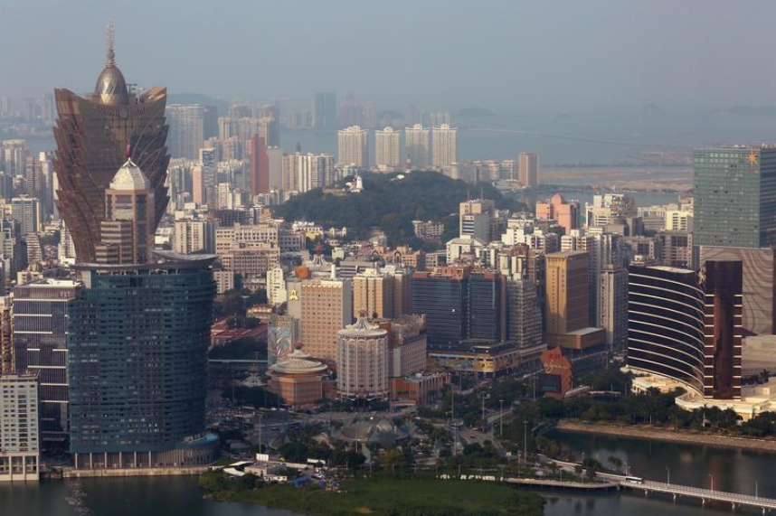 Macau gambling revenue jumps to 3-year high on surge in holiday visitors