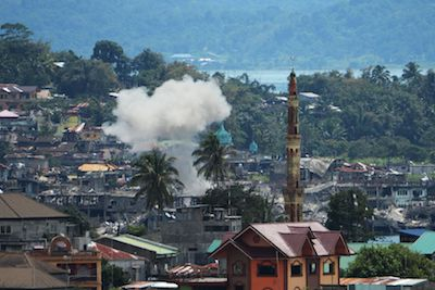 Philippine military chief says IS funded siege