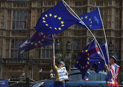 UK food, fuel, medicine short under 'no deal' Brexit: report