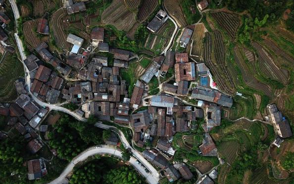 Folk dwellings popular in east China's Zhejiang