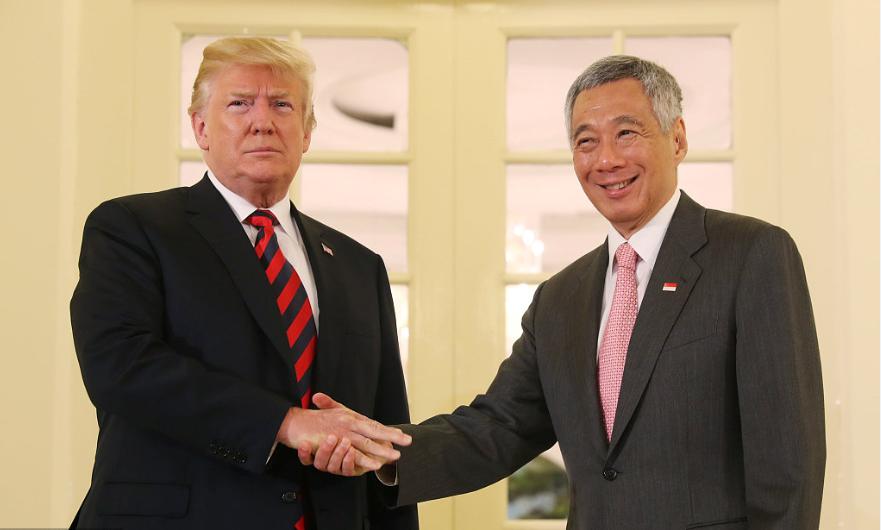 Trump meets Singapore PM ahead of summit