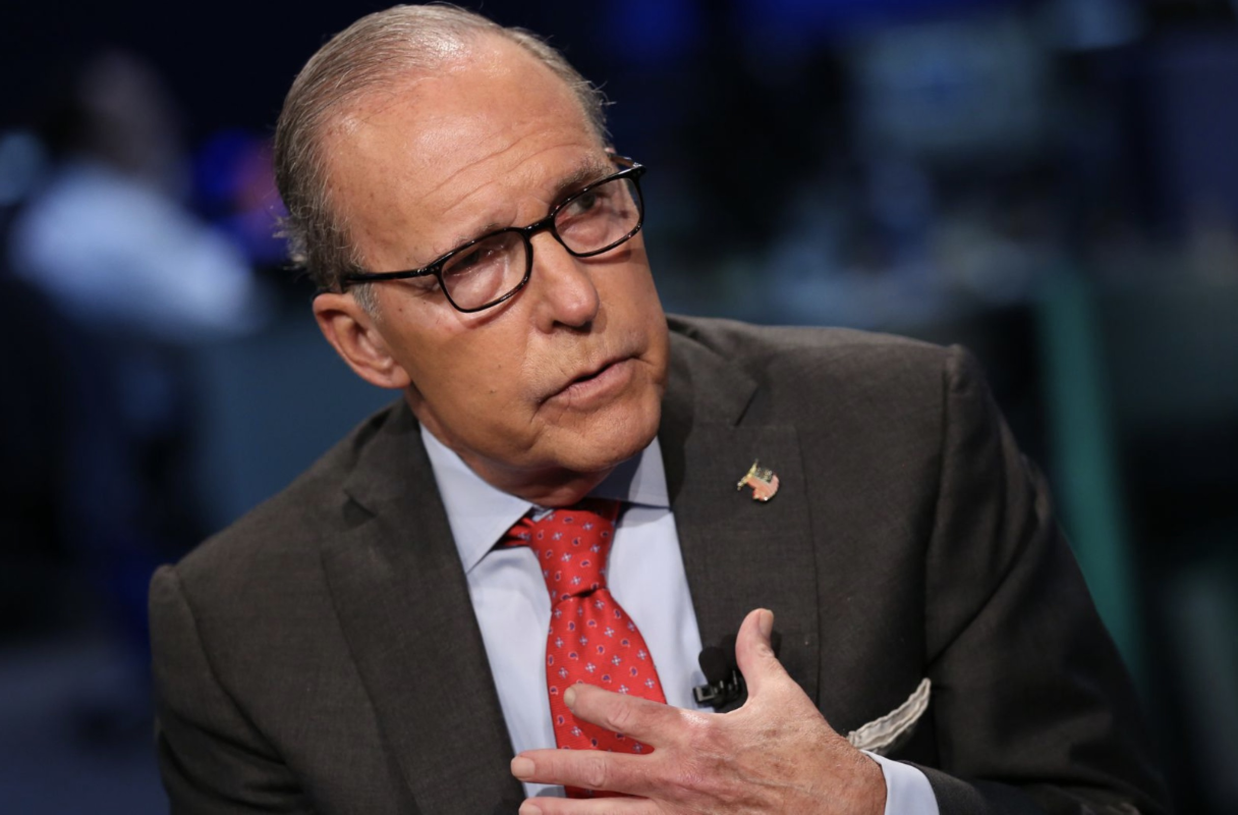 Trump's economic adviser Kudlow hospitalized after heart attack
