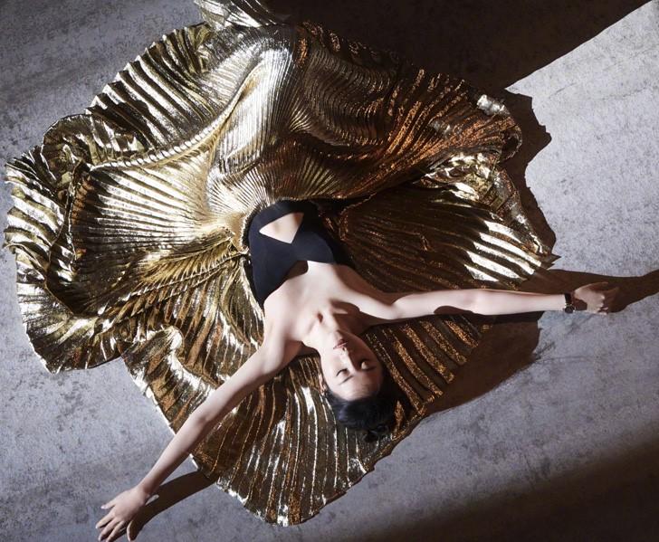 Top actress Liu Yifei covers the fashion magazine