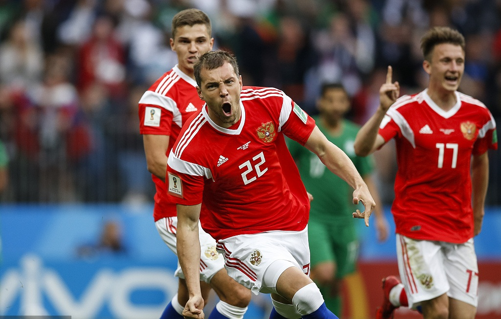 Russia win World Cup opener