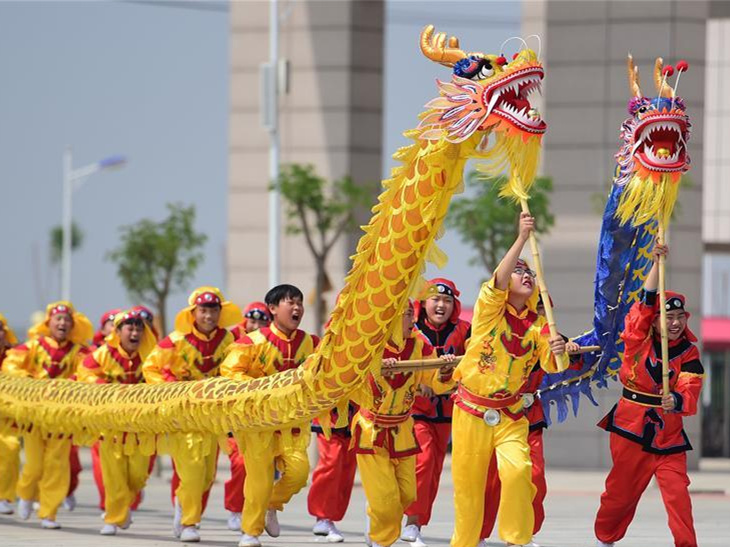 Activities held to celebrate upcoming Dragon Boat Festival across China
