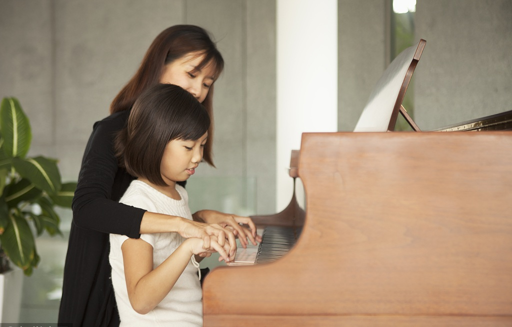 Piano lessons may improve kids' language skills but not cognitive ability: study
