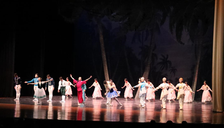 Bangkok falls in love with Tianjin Ballet Troupe
