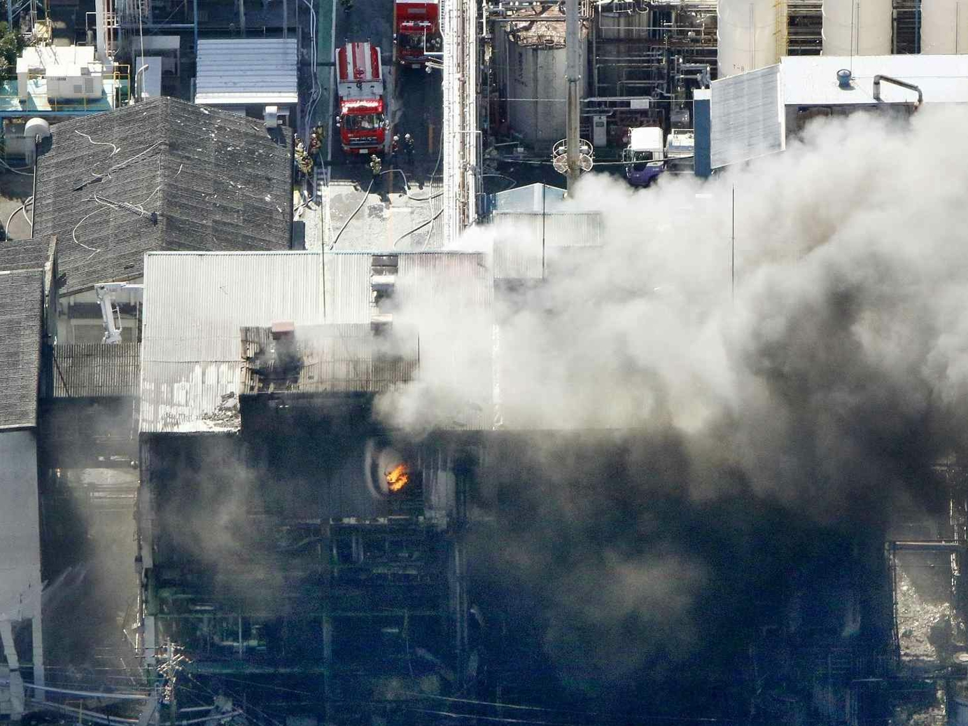 Explosion at chemical plant in west Japan kills 1, injures 10