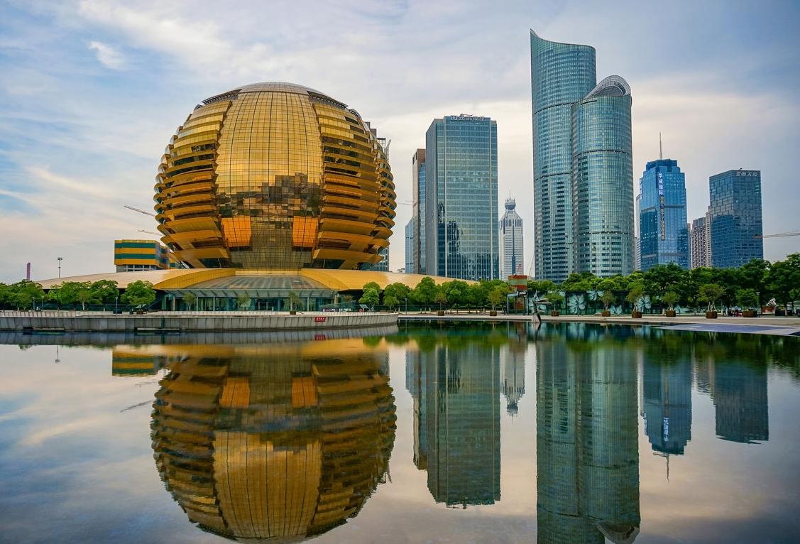 Hangzhou government recruits overseas talent