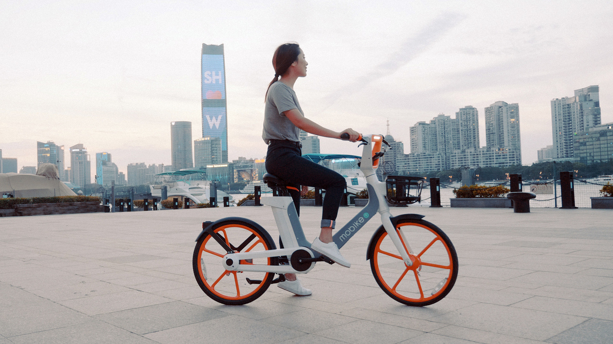 Mobike powers up with electric bikes