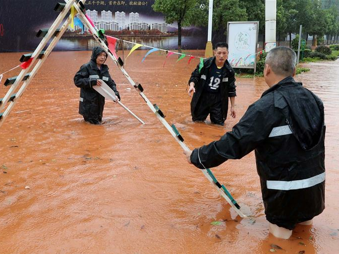 Heavy rain continues to batter many provinces of China