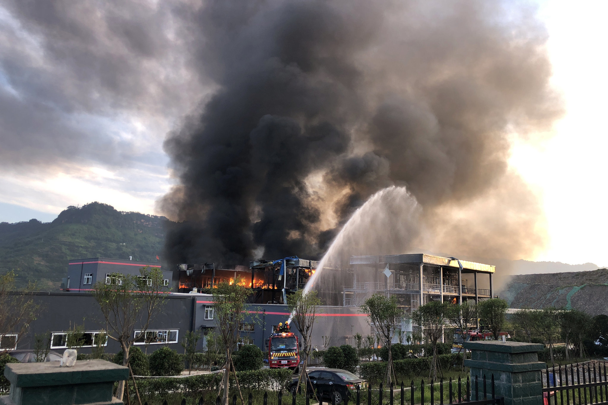 Suspects detained after chemical plant blast in SW China