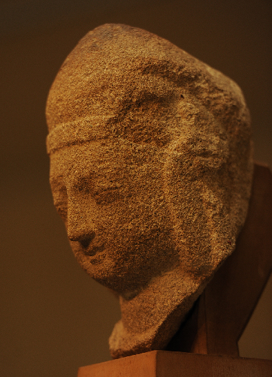 Stolen 1,500-yr-old statue head returns to China