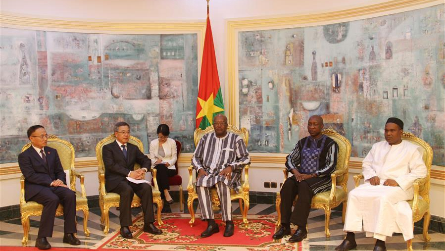 Chinese vice premier, Burkina Faso president exchange views on enhancing ties