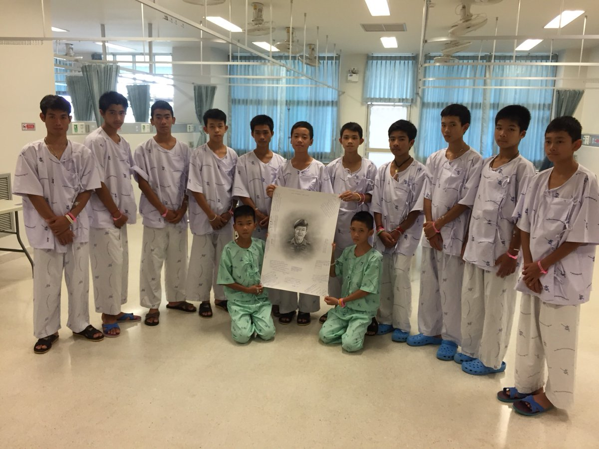 Thai boys mourn navy SEAL who died in cave rescue