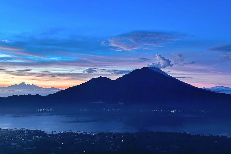 Indonesia's 'child' of Krakatoa spews ash and lava
