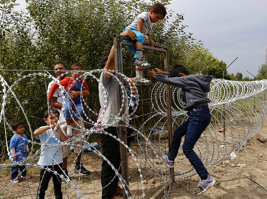 EU intensifies legal action against Hungary over asylum seekers