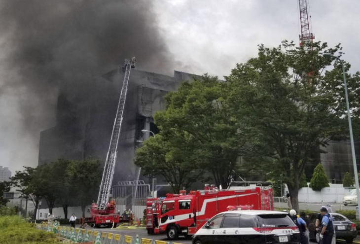At least 2 killed, dozens injured in fire at construction site in Tokyo