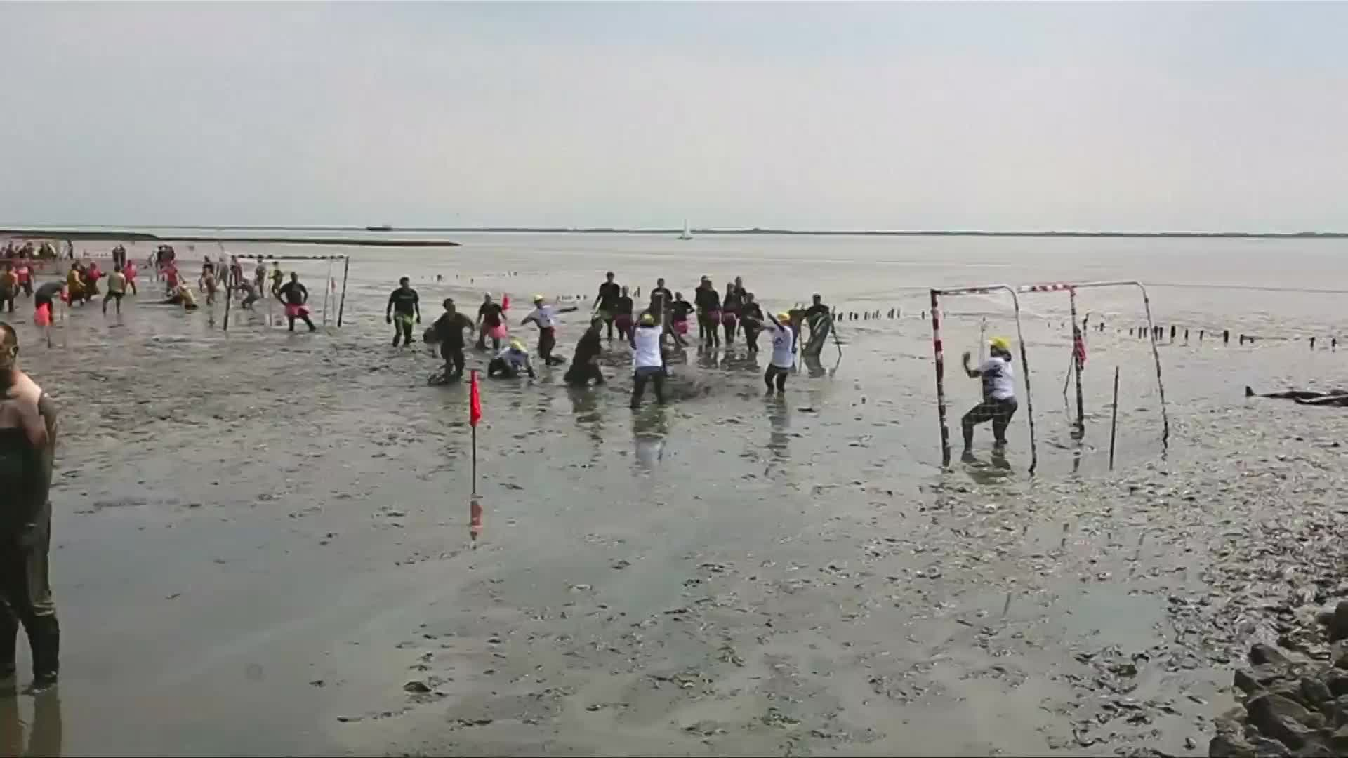 4,000 people attended Mud Olympics in Germany to fight cancer