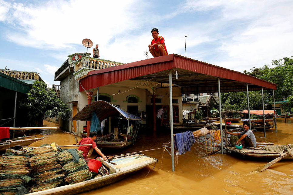 Chinese companies join rescue work in Laos