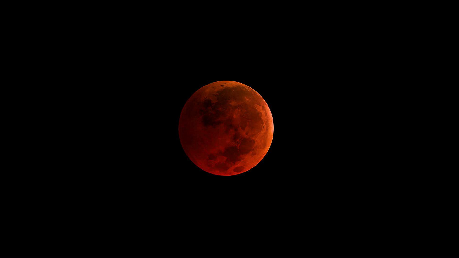 'Blood moon' as seen from NASA's telescopes