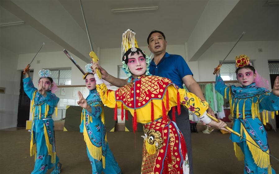 Children take part in various classes and activities to enrich summer vacation