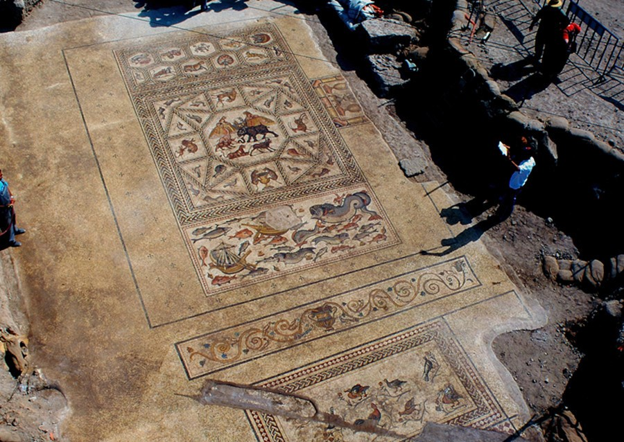 Israeli archaeologists reveal 1,700-year-old mosaic