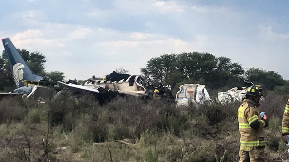 Aeromexico jetliner hit by wind gust after takeoff: official