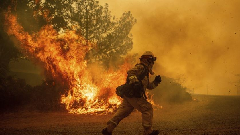 Deadly Northern California fire destroys more than 1K homes