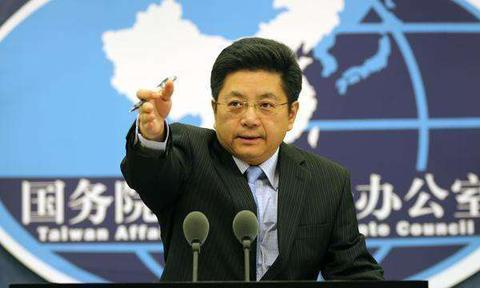 Mainland warns against official, military contact between US, Taiwan