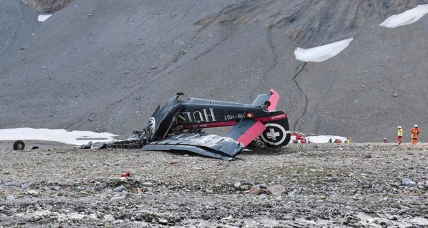 24 die in two Swiss plane crashes