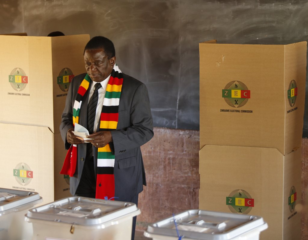 Xi offers congratulations to Zimbabwean president-elect
