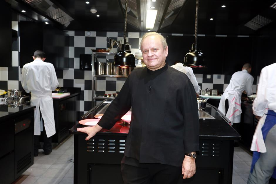 'Chef of the century' Joel Robuchon dies at 73