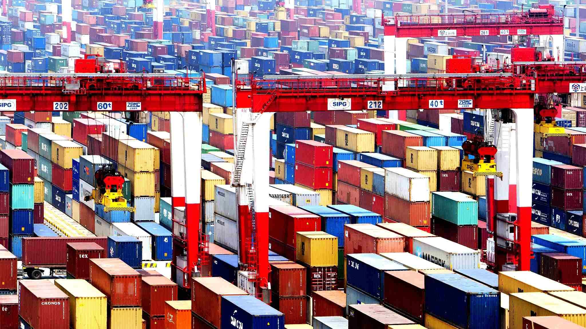 China sees first 6-month current account deficit since 1998