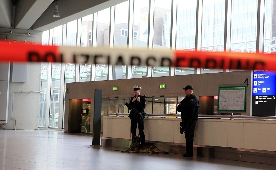 Frankfurt airport T1 reopens after evacuation