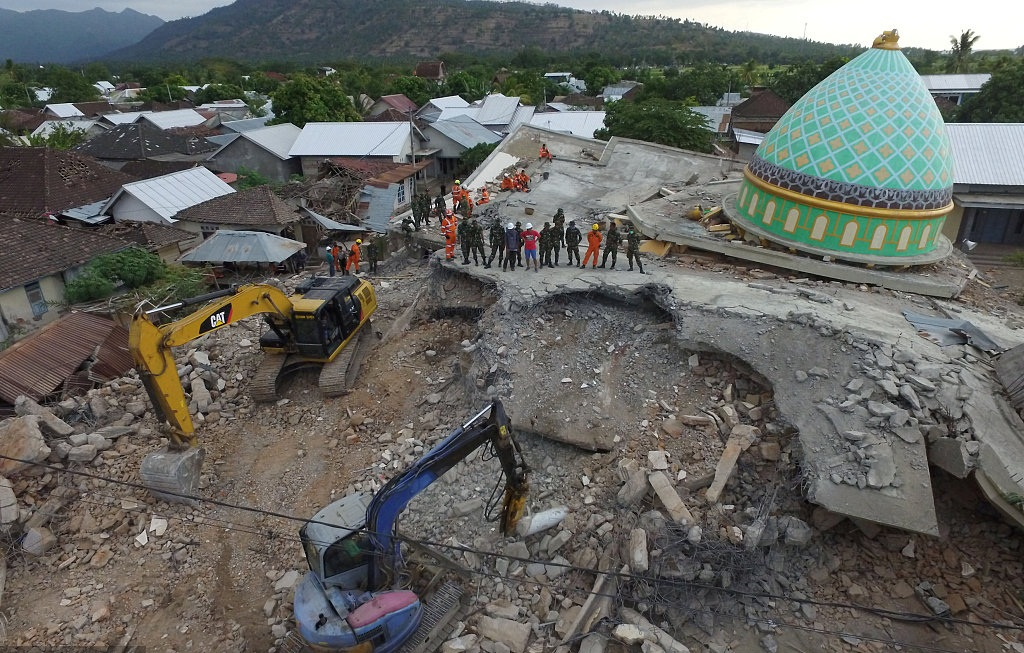 Death toll of Indonesia's deadly earthquake climbs to 347: national disaster agency