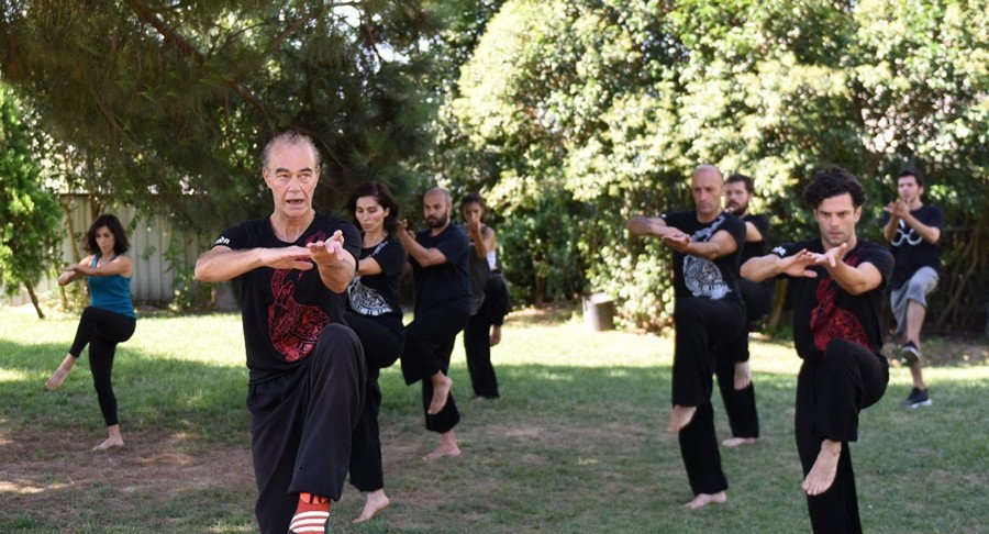 More and more Turks practice Tai Chi to ease stress of city life