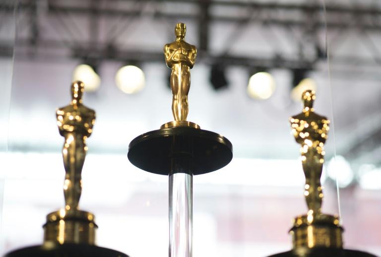 Oscars to add 'best popular film' award, shorten gala