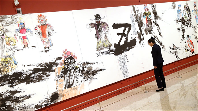 Former deputy director's iconic opera figure paintings on display at National Museum