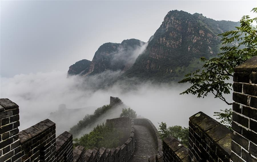 Cloud, fog seen after rainfall at Huangyaguan section of Great Wall