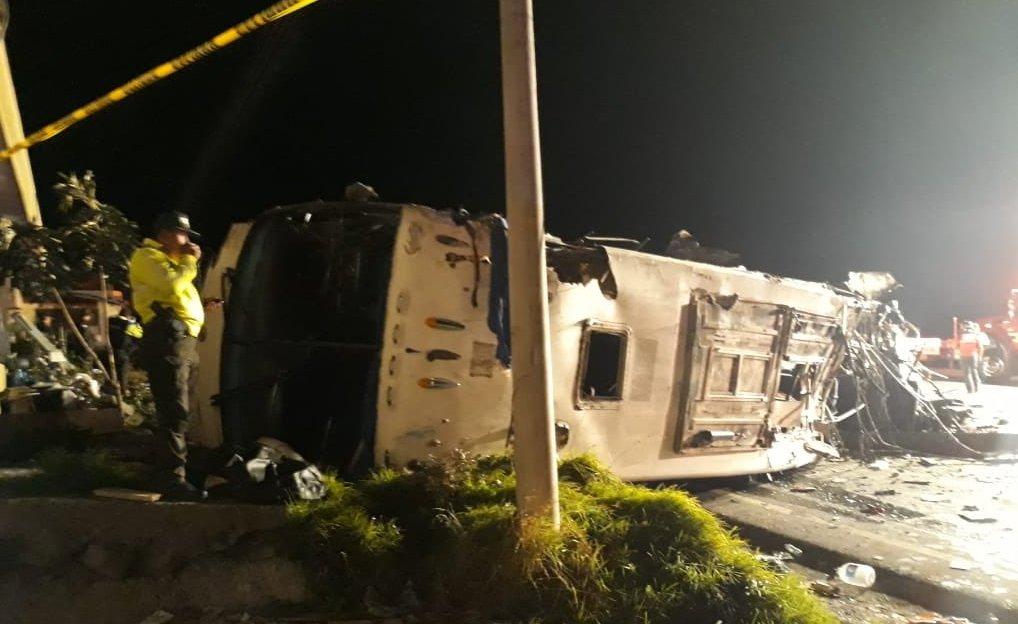 Bus accident in Ecuador kills 23, injures 14