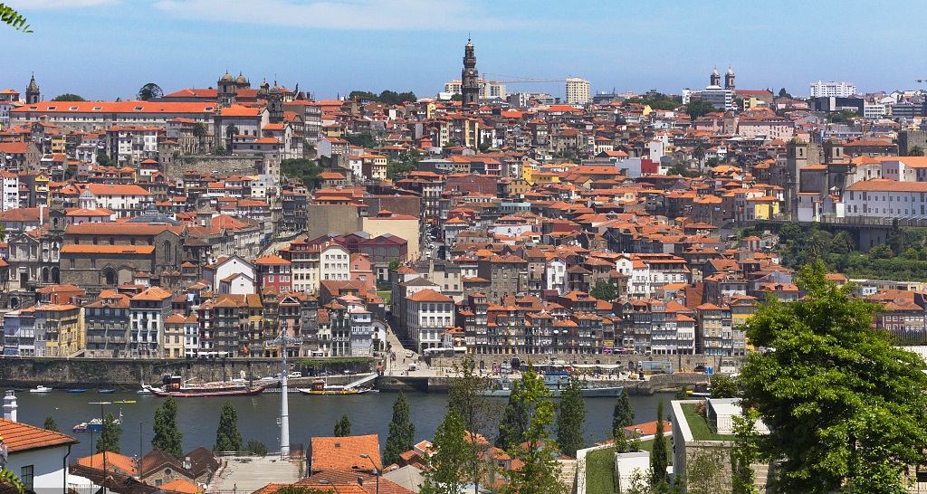 Portugal's GDP grows 2.3 percent in Q2