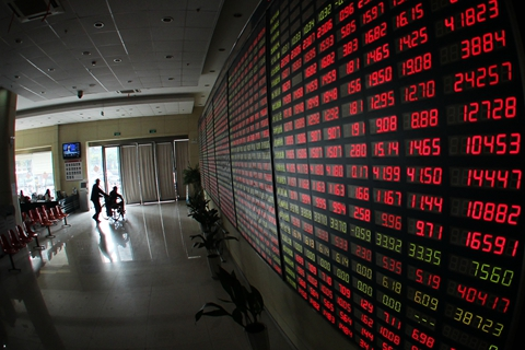China's revised regulation allows foreigner workers to trade A-shares