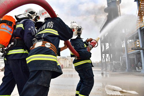 Mastering firefighting knowhow in Puyang, Henan