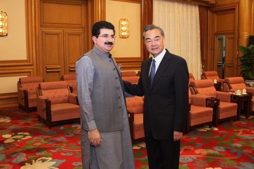 Chinese state councilor meets with Pakistan's senate chairman
