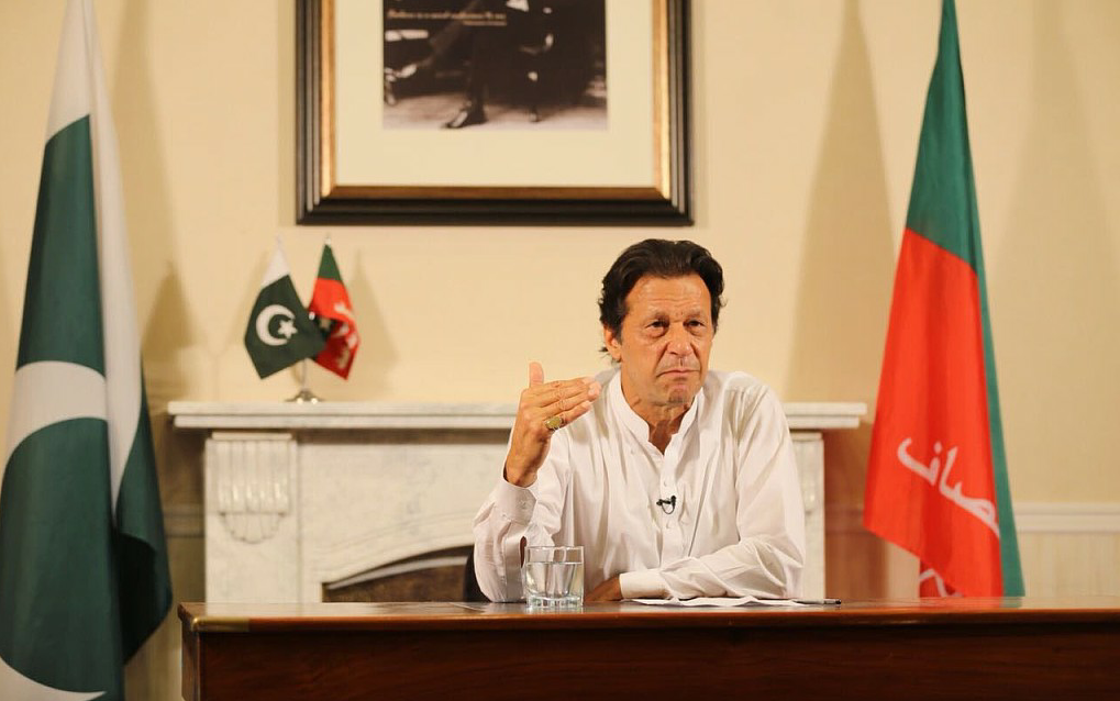 Pakistani MPs elect World Cup cricketer Imran Khan as next PM