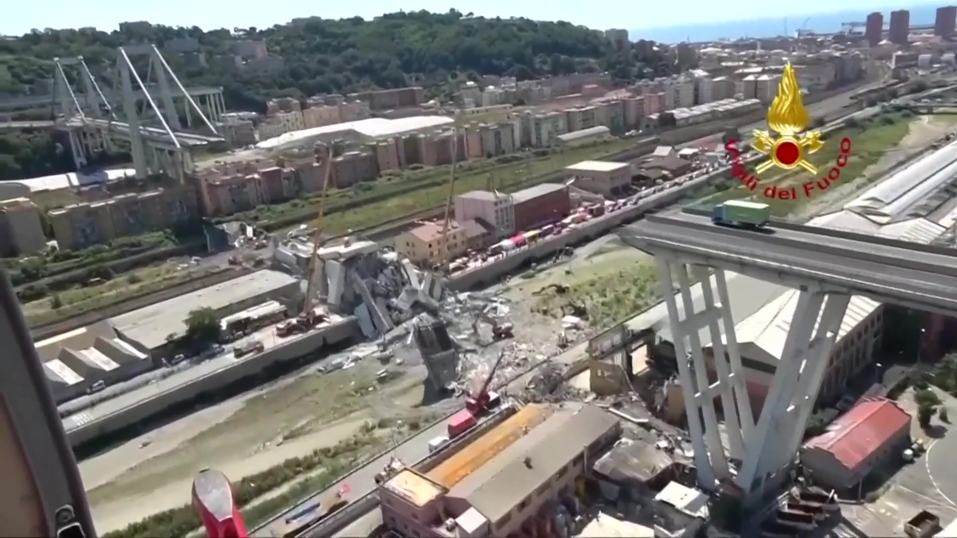 Search for survivors in Italy bridge disaster ends